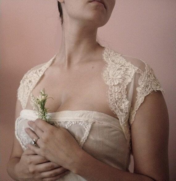Scalloped Bridal Shrug- White or Ivory lace (Beaded)