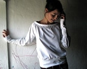 Off White jersey top - long sleeve pleated tshirt - womens boat neck sweatshirt - medieval blouse - larimeloom