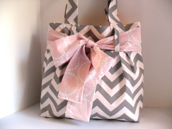 Handbag Made of Chevron  Fabric and Light Pink Bow