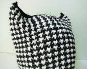 hand knit black and white horned hat - beaconknits