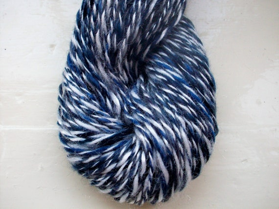 Handspun merino yarn - fun midnight blue with gleaming white ply