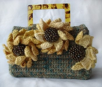 Nicely Created For You: Crochet Pattern - Small Purse with Flap