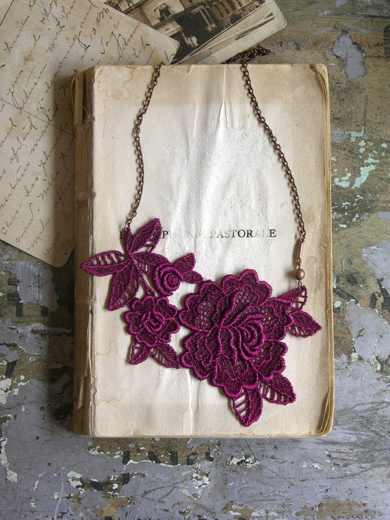 lace necklace -MIRIELLE- (violet)