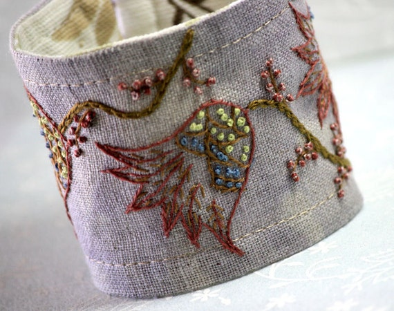 Hand Embroidery : Fabric Cuff Hand Embroidered Linen Jacobean Purple Spring Tulips Embroidery tagt team