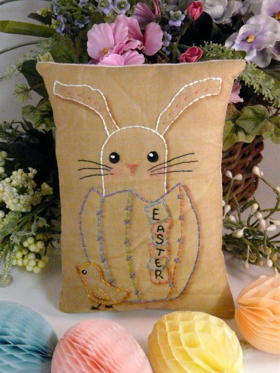 Easter Egg bunny Chick Stitchery E Pattern - email Pdf primitive embroidery pillow pinkeep tag pincushion tuck