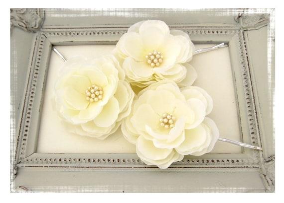 Ivory Hair Flower Set of Three Small