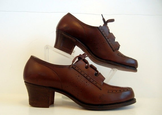 1940's Shoes / Mrs Brown's Lovely Daughters Vintage 40's Oxford Lace Up Shoes Never Worn