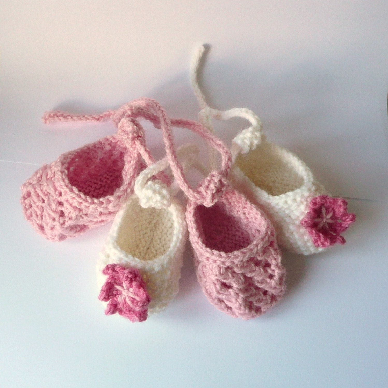 golden bird knits: Seed Stitch Baby Booties Knitting Pattern