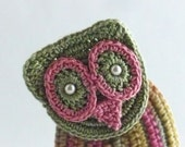 Crochet Brooch Fiber Brooch Irish Crochet Owl Pin Sage Pink Golden Yellow - Nothingbutstring