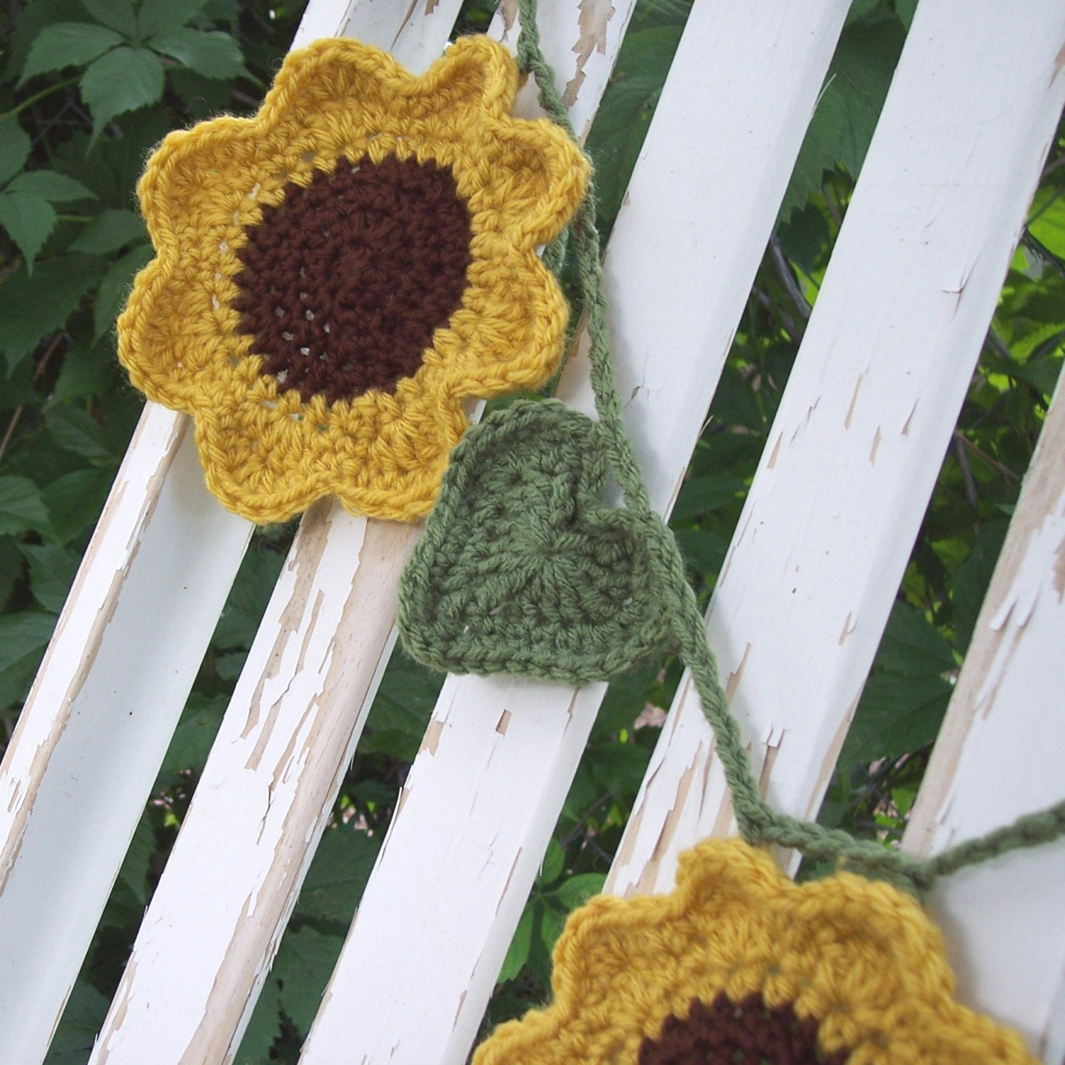 Crochet Sunflower Garland | the Prairie Cottage