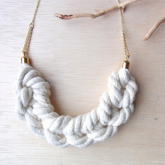 Ami Rope Smile Necklace - Natural