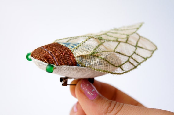 Handmade Fabric Cicada Brooch Green / Fabric Insect / Made to Order