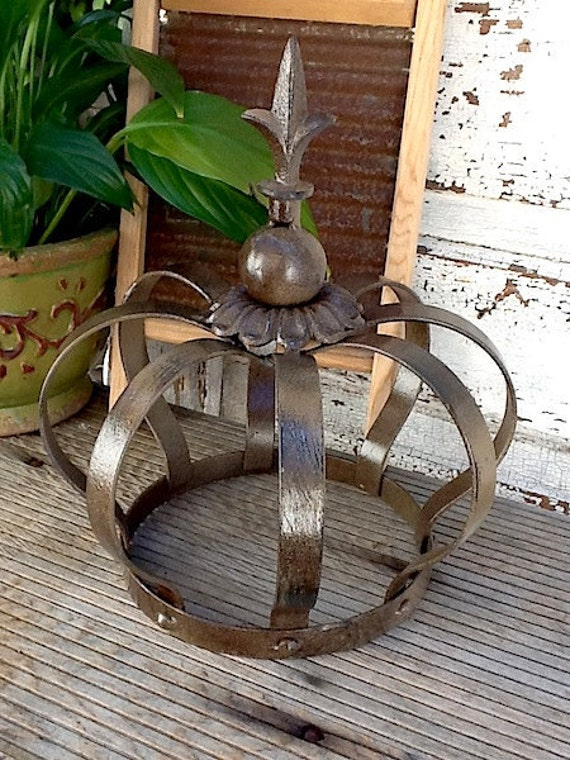 Iron Crown Metal Garden Decor Aged and by CamillaCotton on Etsy