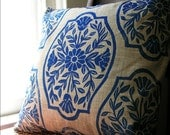 Navy Blue Chinoiserie Floral PIllow Case - giardino