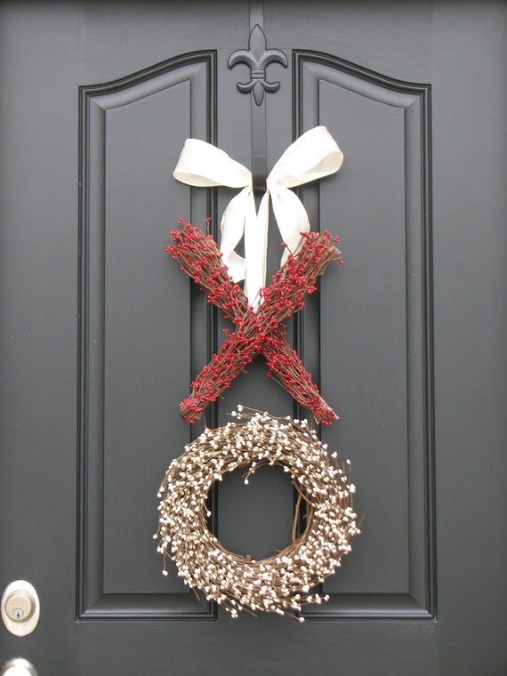 XOXO Decor - Berry Wreath - Kisses and Hugs - XO - Holiday Wreath - Valentine's Day Decor
