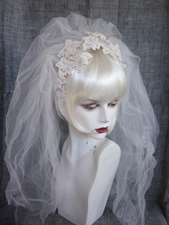 Vintage Bridal Veil Lace Flower Headband 70s / 80s