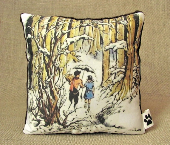 Lucy and Mr Tumnus - Chronicles Of Narnia - Little Decorative Pillow