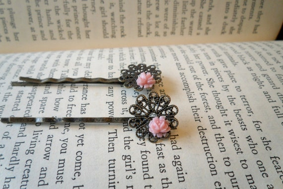 Pale Pink Rose Bobbies