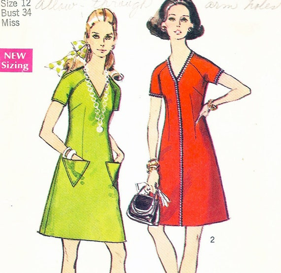 Vintage 1970s TRIANGLE POCKET DRESS Pattern - 34 Bust - Size 12 - Simplicity 8778