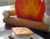 Campfire and S'mores Felt Playset - SchnitzelAndBoo