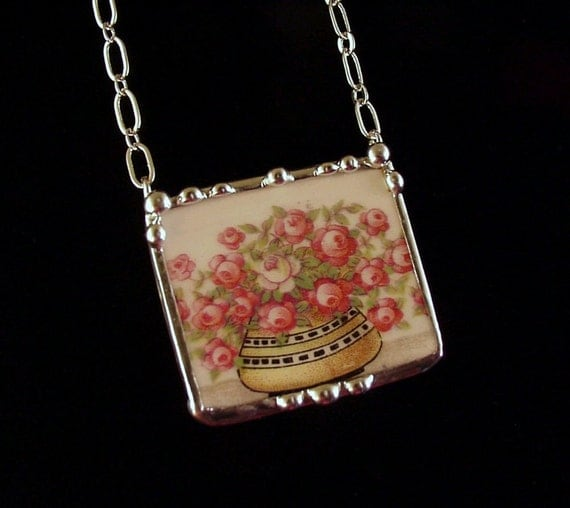 Sweetheart roses 1920's American china broken china jewelry necklace made from broken plate