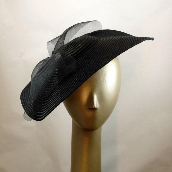 ... www.etsy.com/listing/85342784/saucer-hat-for-women-1940s-fashion-black