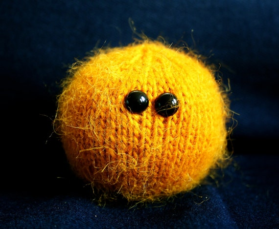 Knit your own Little Sun with Corona (pdf knitting pattern)