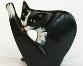 Cat Sculpture - Black and White - Licking - pleetart