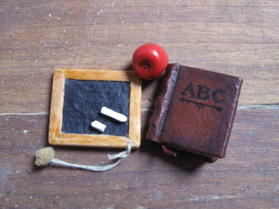 Old-fashioned School-Miniature/Unique/Collectible