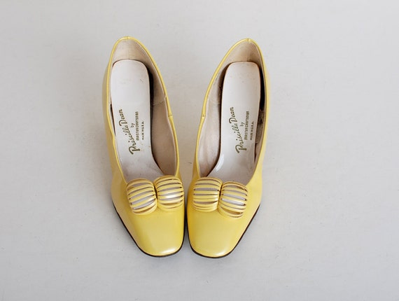 Vintage 60s MOD Yellow Patent Vinyl Shoes