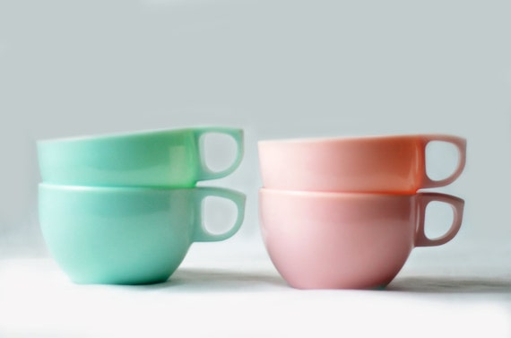 Watertown Lifetime Melmac Cups in Mint Green and Light Pink