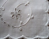 Vintage Linen Handkerchief Holder Whitework Embroidery - LinenWallflowers