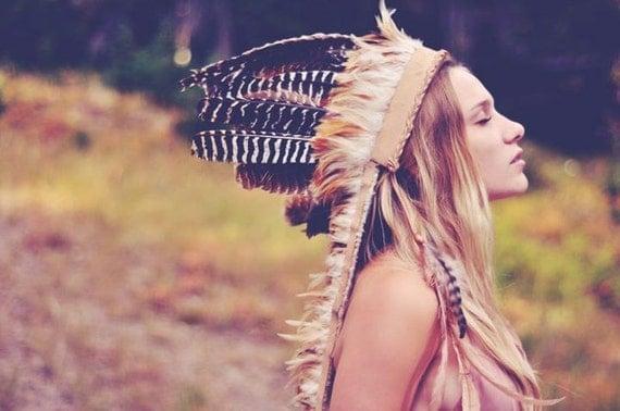 D E S E R T R O S E Feather Headdress