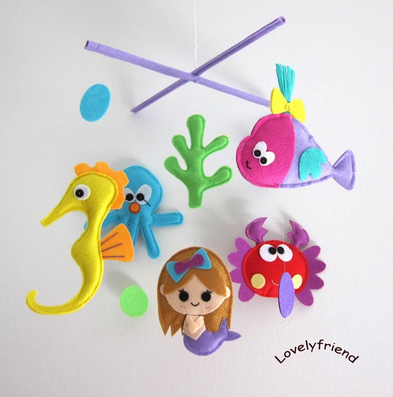 bebek beşikleri için keçeden yapılmış mobil örnekleri.