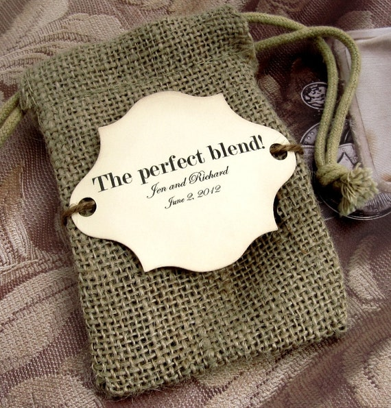 20 Burlap Wedding Favor Bags - The perfect blend - Personalized