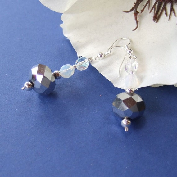 White and pewter crystal glass beaded dangle earrings Silver Spray