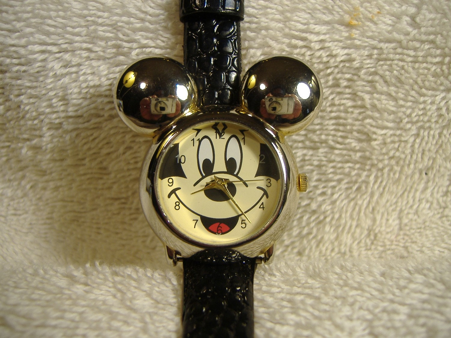 Vintage Mickey Mouse Collectibles - Bessed: Human-Guided Search
