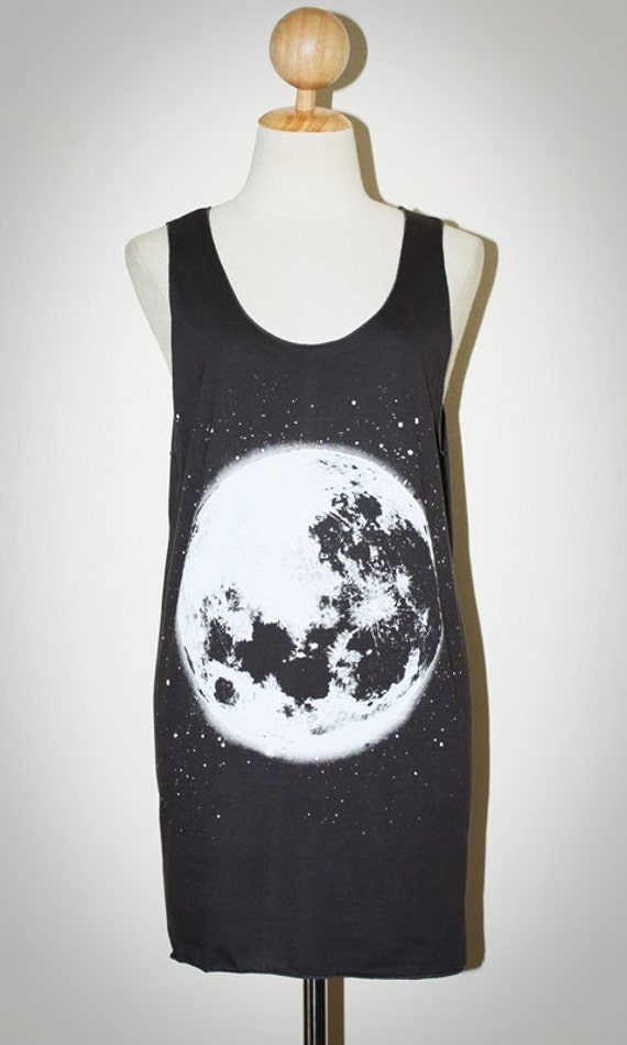 The Moon Charcoal Black Tank Top Singlet Sleeveless Women Universe Art Punk Rock T-Shirt Size M