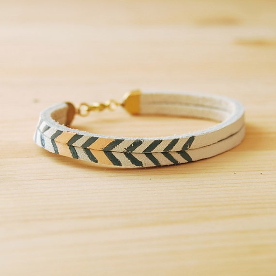 "Leather Bracelet in White with Grey and Pink Chevron Pattern, ""The Pecos Handpainted"""