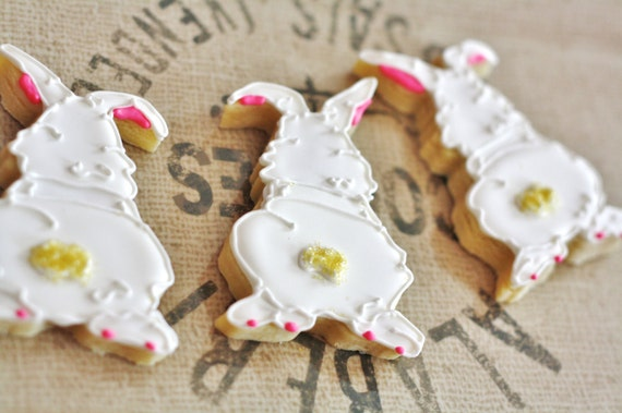 white easter bunny frosted cookies