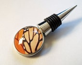 Photo Wine bottle stopper - Monarch butterfly - entertaining - TheGlassLilyPad