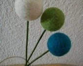 Needle felted pom pom flowers gift under 15 dollars for mom eco friendly - FeltedByRikke