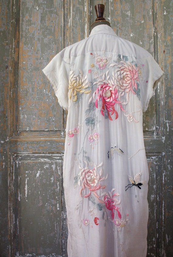 Vintage Kimono Robe with embroidered flowers and butterflies
