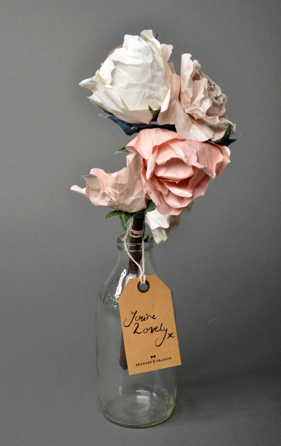 Sofia: Paper bouquet
