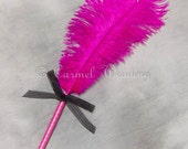 Fuchsia Pink Feather Pen - Fuchsia wedding pen, Fuchsia sign in pen, Fuchsia guestbook pen, Fuchsia welcome desk pen - CarmelWedding