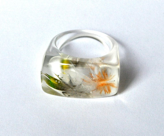 Parrot Feather Resin Ring. Resin Jewelry. Limited Edition. Orange White Green. Size 6 1/2 USA 17 mm.