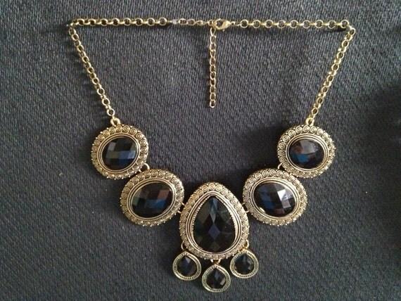Black & Gold Vintage Chunky Necklace