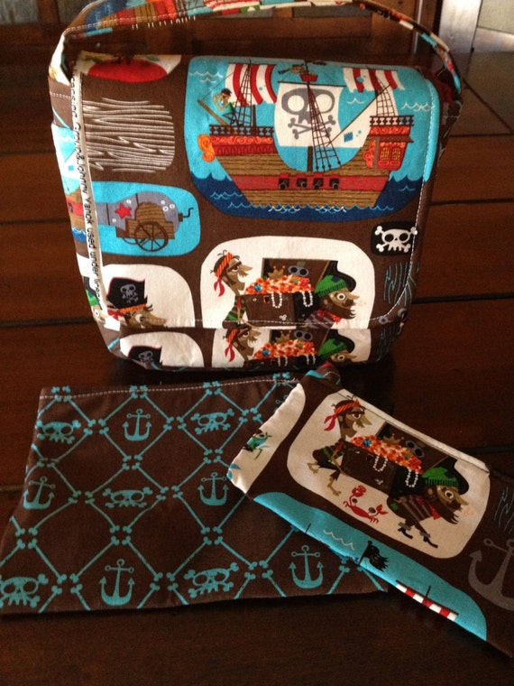 LOVE YOUR LUNCH Lunch Bag and 2 Coordinating Reusable Snack Bags-Pirate Print