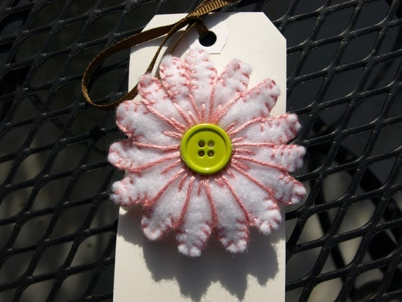White felt daisy flower barrette hair accessory