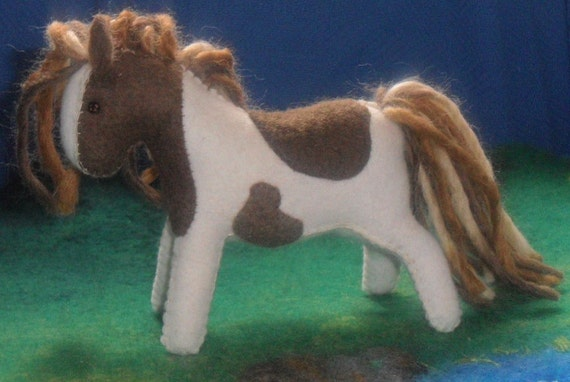 wool felt horse toy Waldorf animal pony soft plush girl boy children birthday wild west native american apache horse